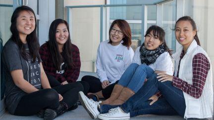 Estudios de grupos pequeños para las mujeres