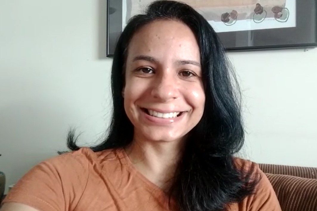 Marina sorrindo