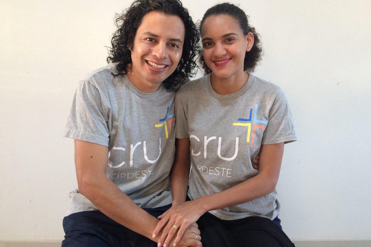 Raul e Vanessa com a camisa da Cru Nordeste