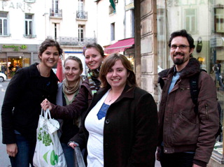 French students bring food and encouragement to the homeless (sidebar photo)