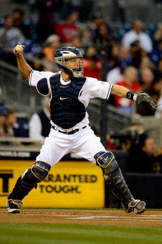 Padres catcher wants new season to honor God (sidebar photo)