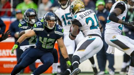 Seahawks' Chris Maragos And The Downward Spiral That Led Him to Christ